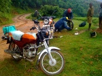 Roadside bike maintenance, Africa-style!